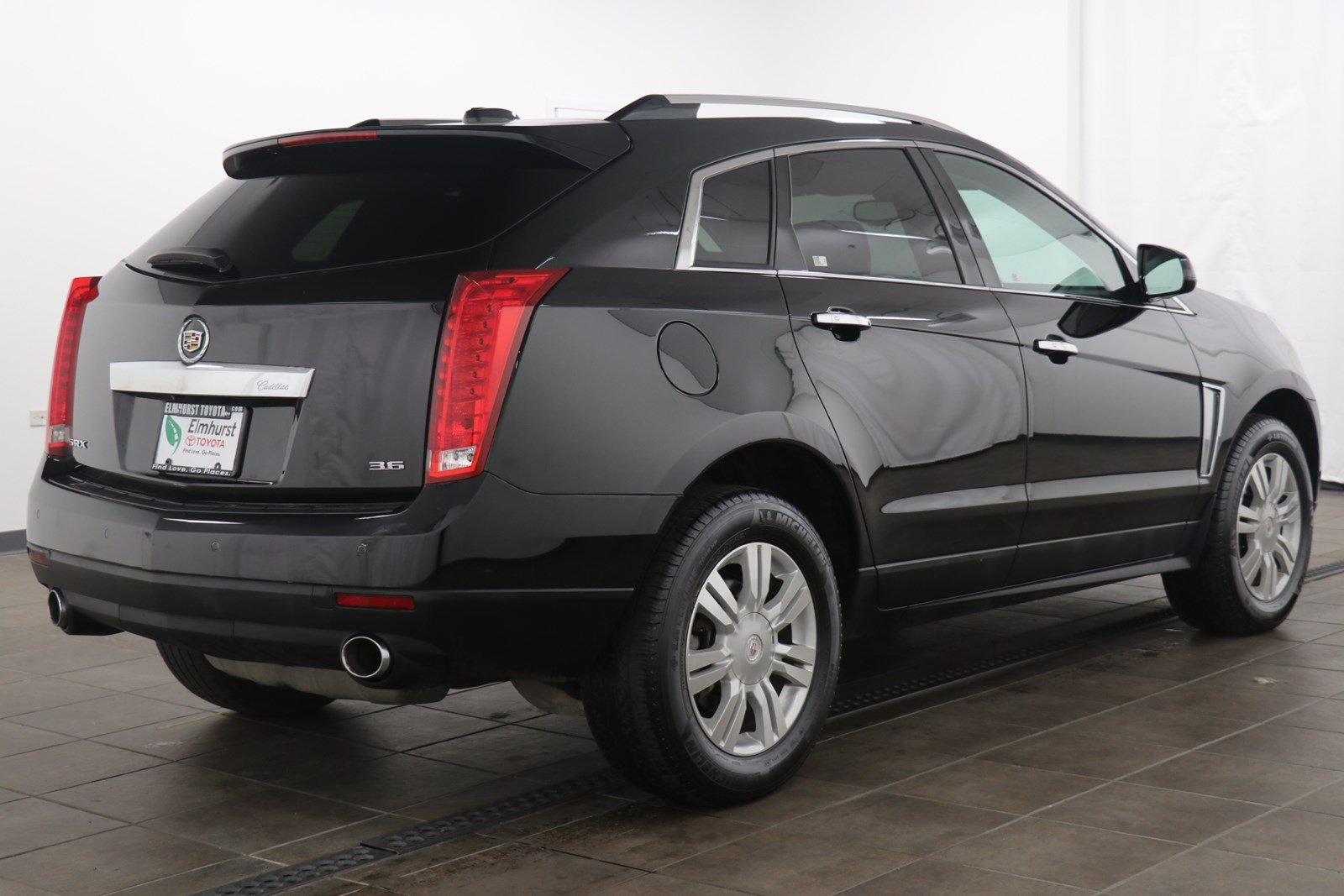 Pre owned 2015 cadillac srx luxury fwd 4d sport utility