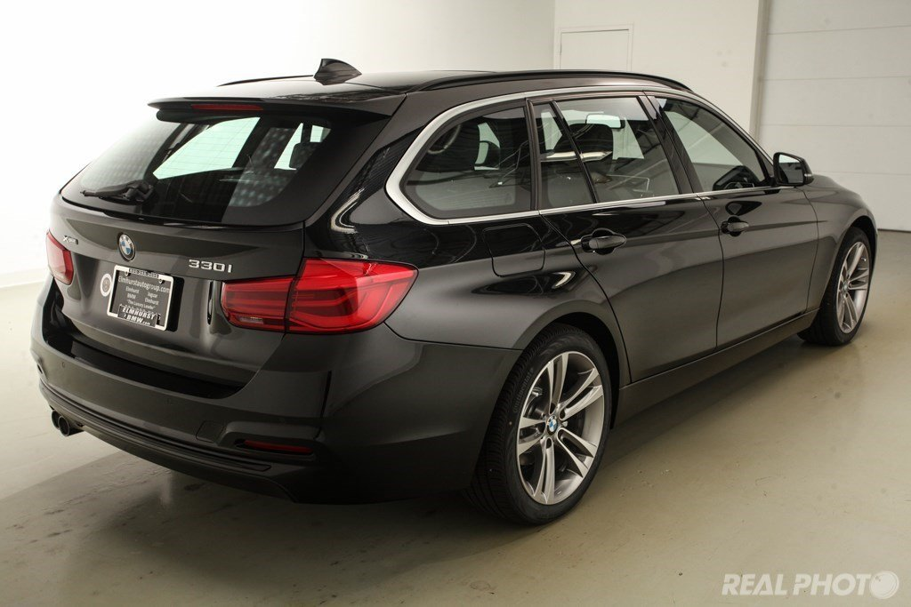 pre owned 2017 bmw 3 series 330i xdrive sports wagon station wagon in elmhurst b7449 elmhurst bmw. Black Bedroom Furniture Sets. Home Design Ideas
